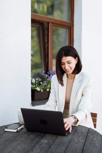 Afaceri pentru femei - afaceri online cu bani putini