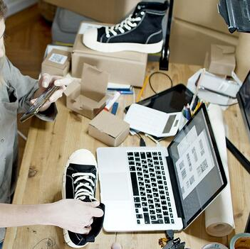 Cum sa vinzi online - ghid vanzari online