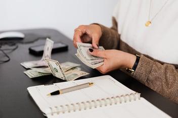 Afaceri cu bani putini - idei de afaceri online